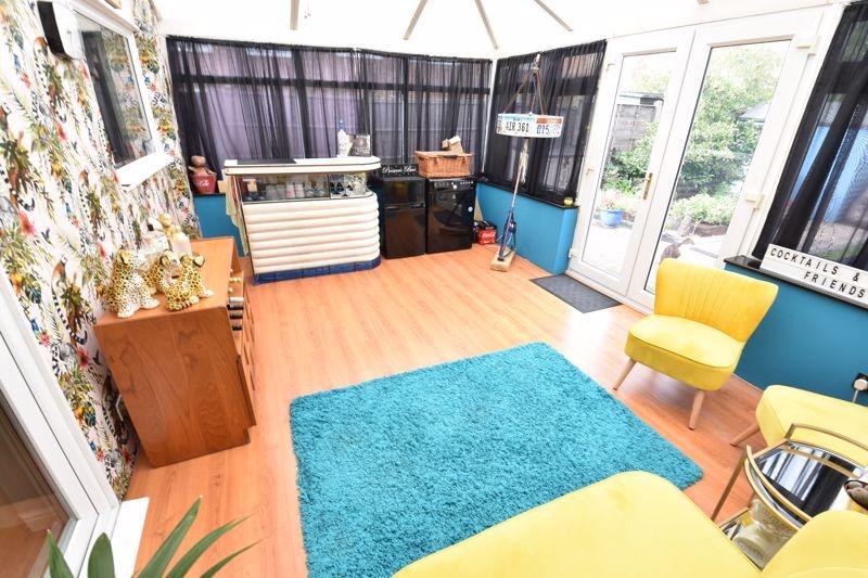 3 bedroom End Terrace to buy in Telscombe Way, Luton - Photo 8