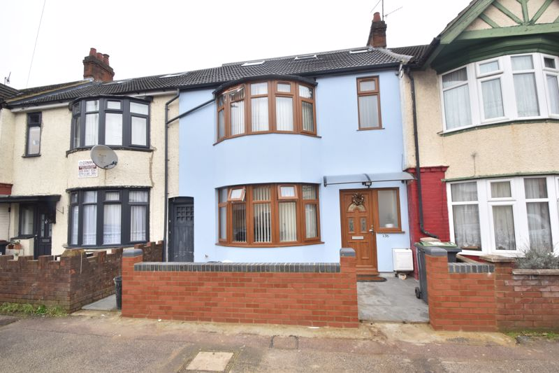 3 bedroom Mid Terrace to buy in Selbourne Road, Luton