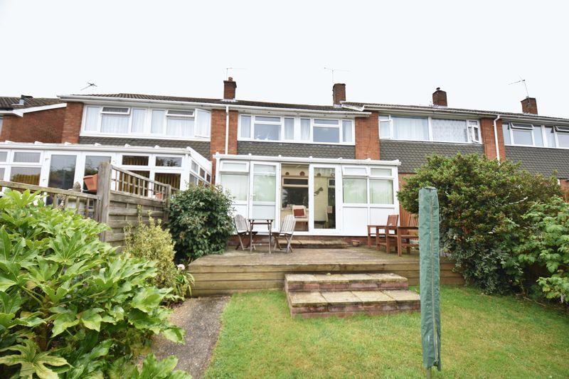 3 bedroom Mid Terrace to buy in Porlock Drive, Luton - Photo 5
