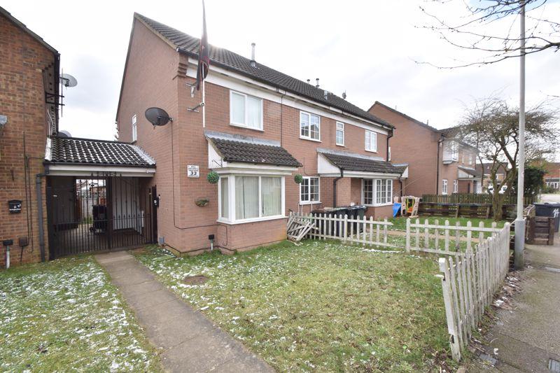 2 bedroom Semi-Detached  to buy in Dorrington Close, Luton