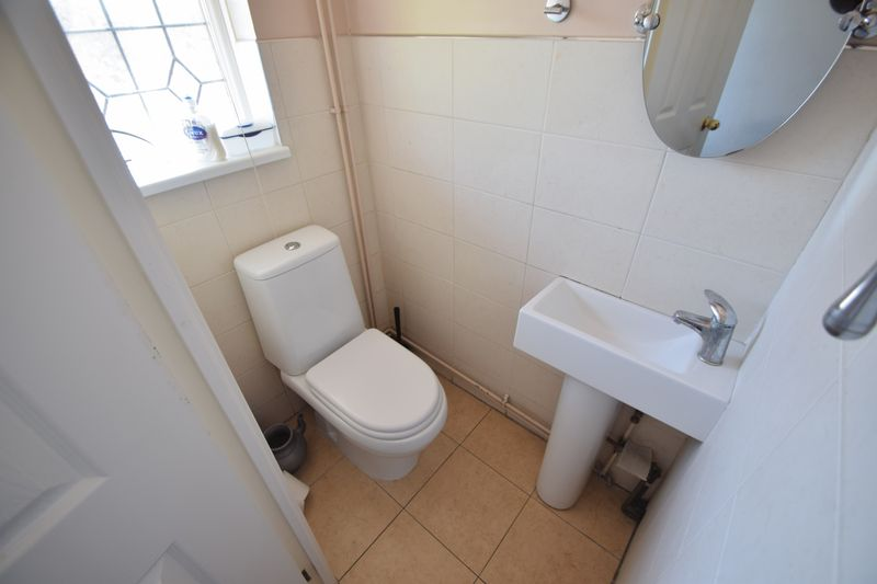 4 bedroom Detached  to rent in Markfield Close, Luton - Photo 17