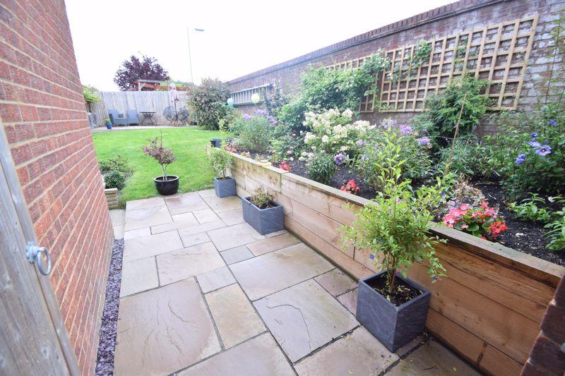 2 bedroom End Terrace to buy in Heron Drive, Luton - Photo 22
