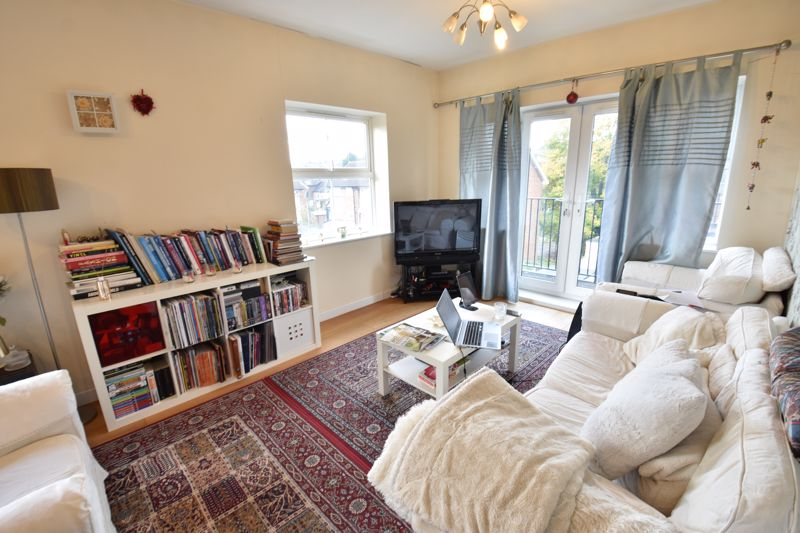 2 bedroom Flat to rent in Holly Street, Luton - Photo 10