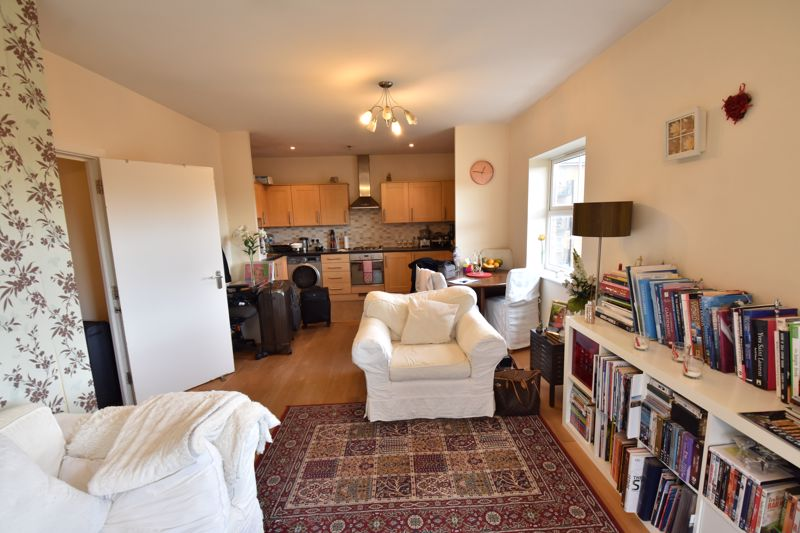 2 bedroom Flat to rent in Holly Street, Luton - Photo 14