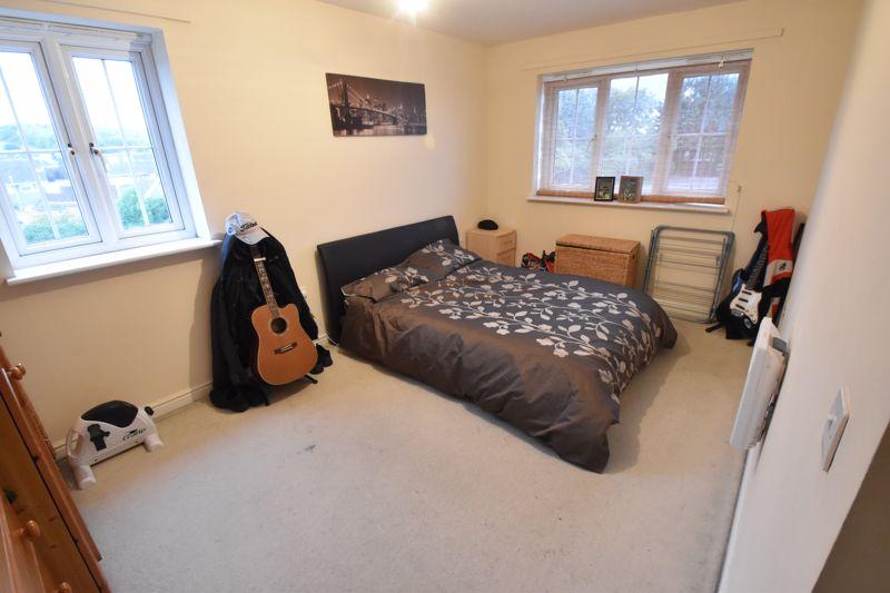 2 bedroom Flat to buy in Watling Gardens, Dunstable - Photo 1