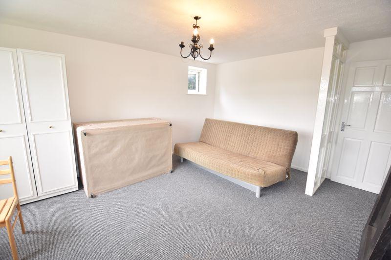 0 bedroom Apartment / Studio to rent in Crescent Road, Luton - Photo 2