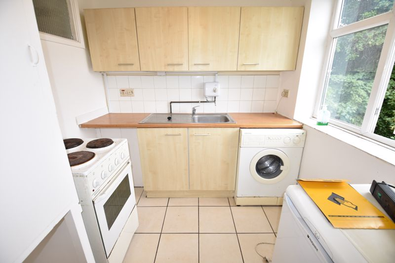 0 bedroom Apartment / Studio to rent in Crescent Road, Luton - Photo 4
