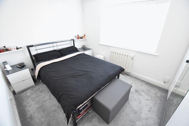 1 bedroom Flat to buy in Mistletoe Hill, Luton - Photo 9