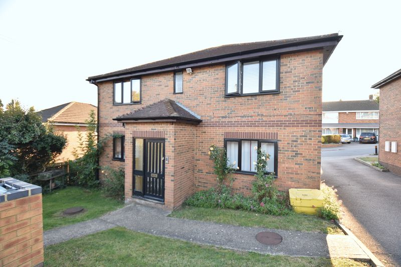 1 bedroom Flat to buy in Mistletoe Hill, Luton