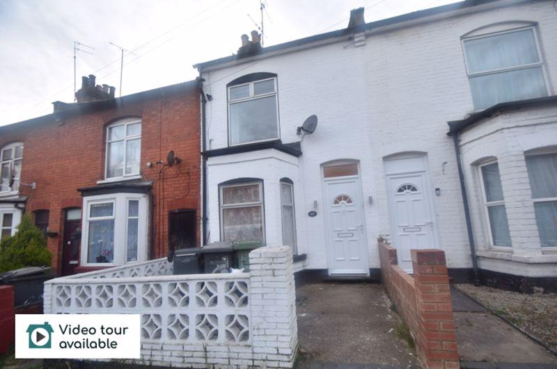 3 bedroom Mid Terrace to rent in Salisbury Road, Luton