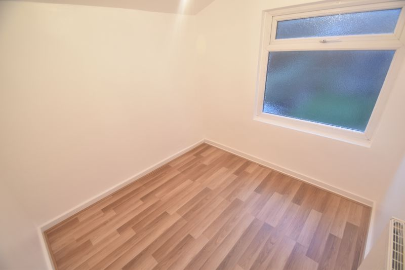 3 bedroom Mid Terrace to rent in Salisbury Road, Luton - Photo 9