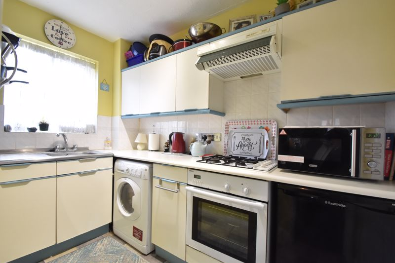 1 bedroom End Terrace to buy in Spayne Close, Luton - Photo 9