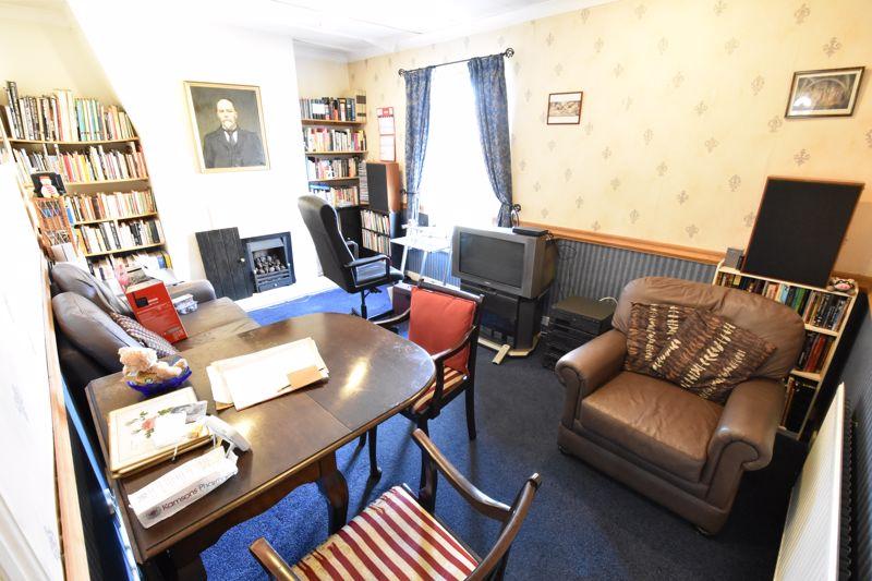 1 bedroom Maisonette to buy in Wellington Street, Luton - Photo 3