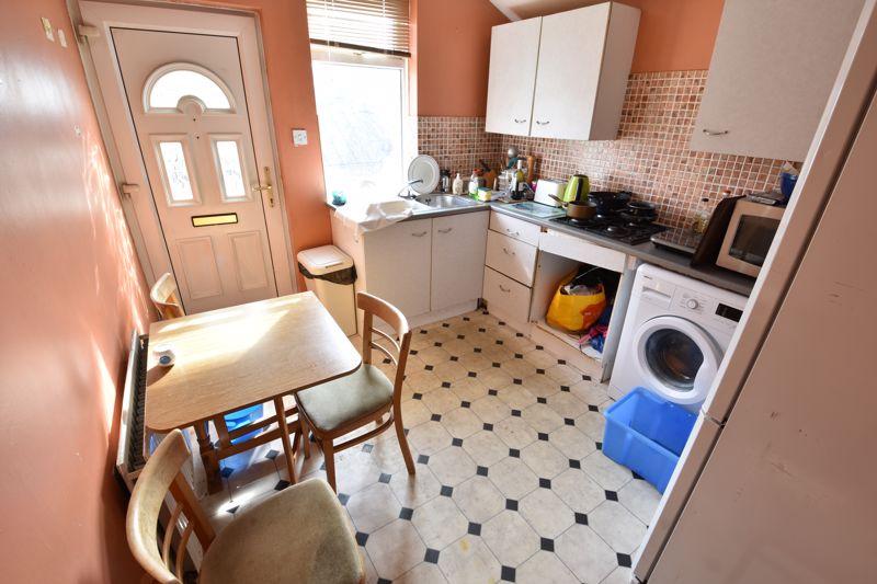 1 bedroom Maisonette to buy in Wellington Street, Luton - Photo 6