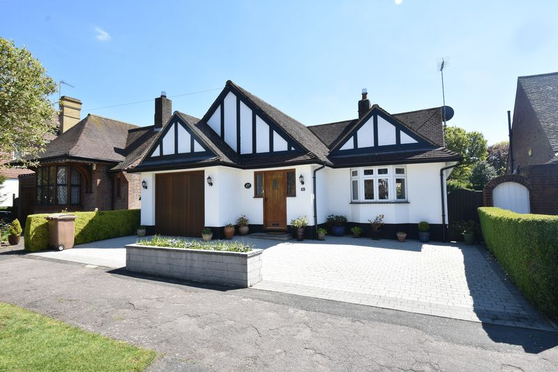 3 bedroom Detached  to buy in Ludlow Avenue, Luton