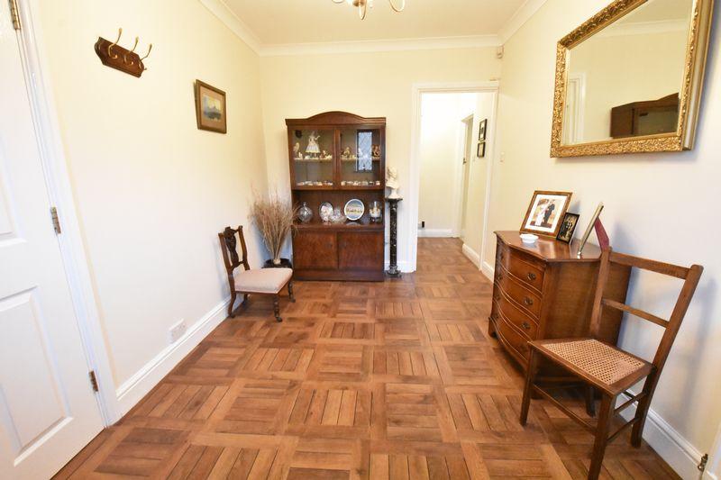 3 bedroom Detached  to buy in Ludlow Avenue, Luton - Photo 1