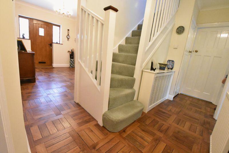 3 bedroom Detached  to buy in Ludlow Avenue, Luton - Photo 2