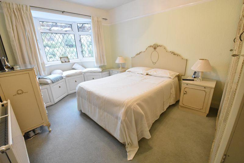 3 bedroom Detached  to buy in Ludlow Avenue, Luton - Photo 3