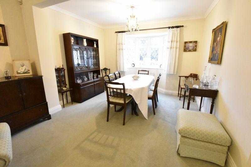 3 bedroom Detached  to buy in Ludlow Avenue, Luton - Photo 5