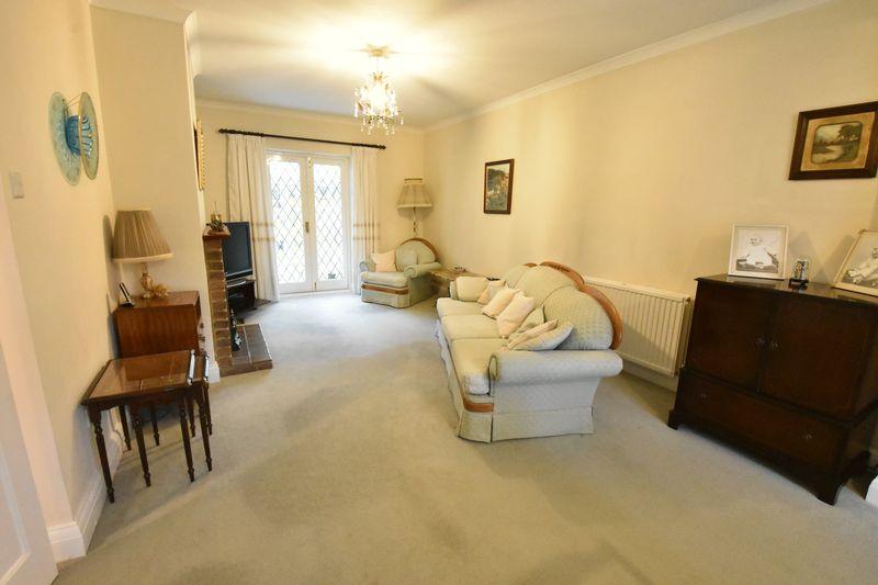3 bedroom Detached  to buy in Ludlow Avenue, Luton - Photo 6