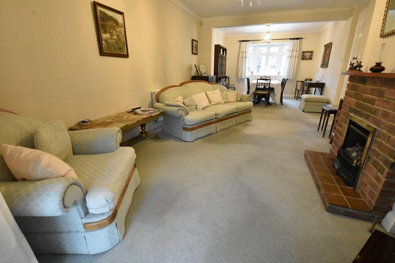 3 bedroom Detached  to buy in Ludlow Avenue, Luton - Photo 7