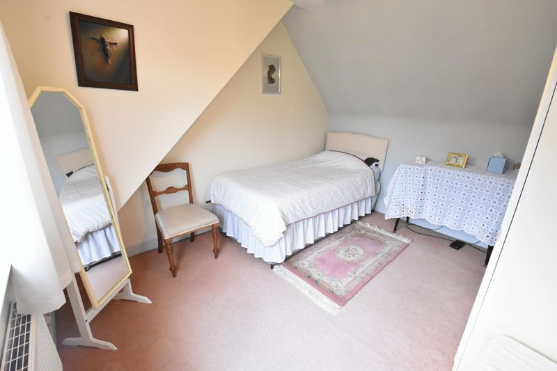 3 bedroom Detached  to buy in Ludlow Avenue, Luton - Photo 12