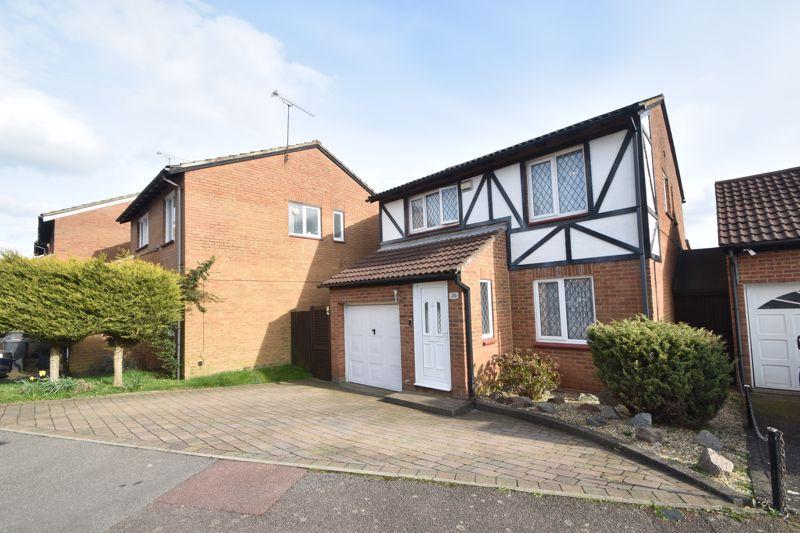 4 bedroom Detached  to buy in Hardwick Green, Luton