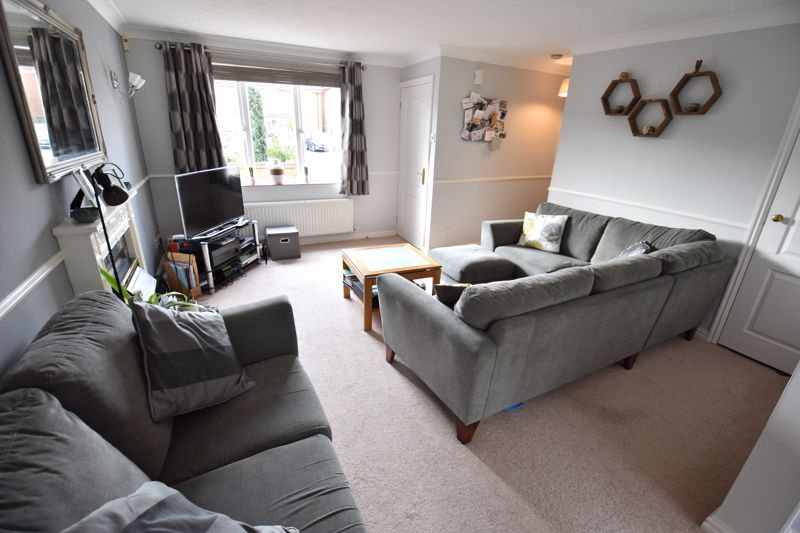 3 bedroom Semi-Detached  to buy in Whitwell Close, Luton - Photo 6
