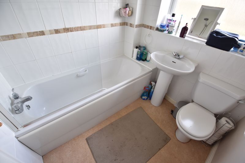 3 bedroom Semi-Detached  to buy in Whitwell Close, Luton - Photo 11