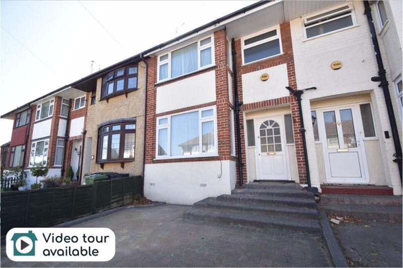 3 bedroom Mid Terrace to rent in Elmore Road, Luton