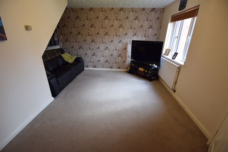 3 bedroom Detached  to buy in Gleneagles Drive, Luton - Photo 1