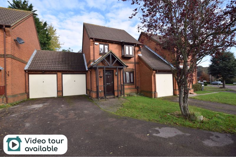 3 bedroom Detached  to buy in Gleneagles Drive, Luton