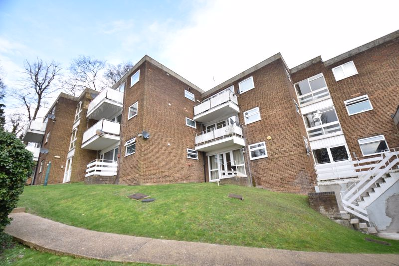 2 bedroom Flat to buy in Havelock Rise, Luton