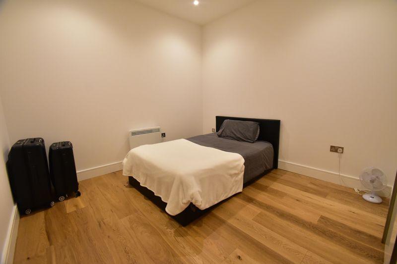 2 bedroom Apartment / Studio to buy in Flowers Way, Luton - Photo 3