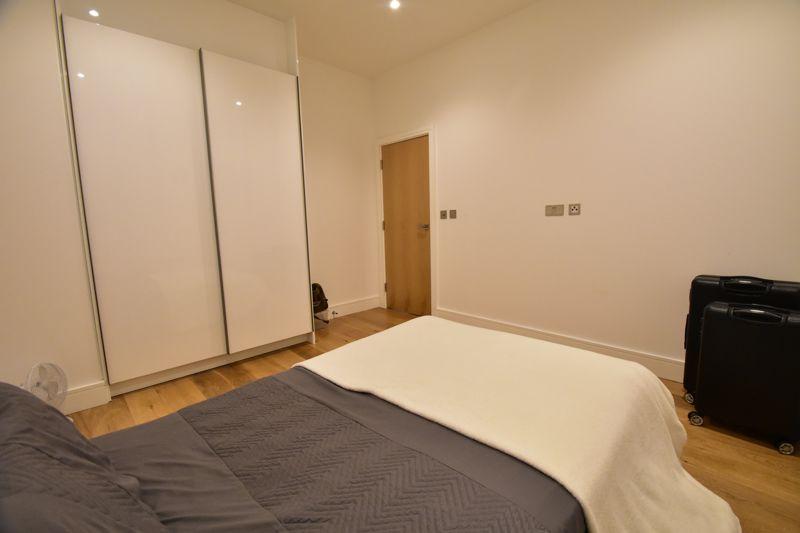 2 bedroom Apartment / Studio to buy in Flowers Way, Luton - Photo 4