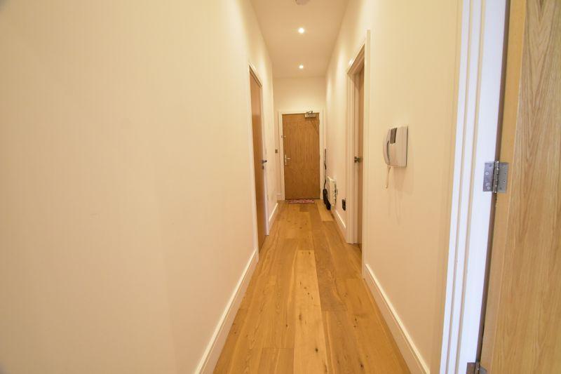 2 bedroom Apartment / Studio to buy in Flowers Way, Luton - Photo 17