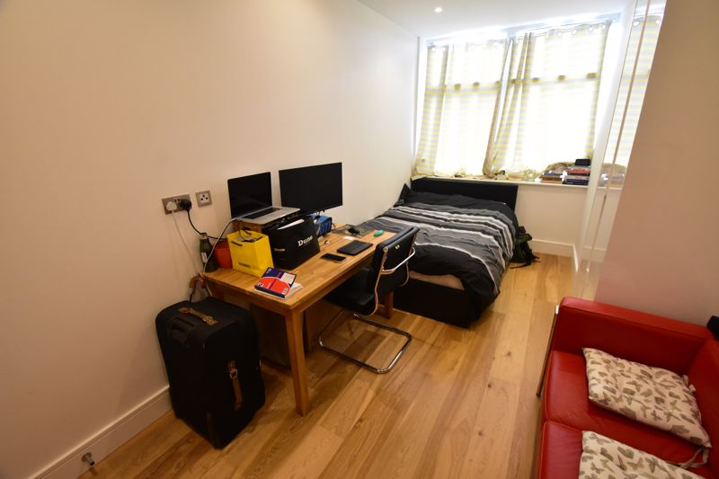 2 bedroom Apartment / Studio to buy in Flowers Way, Luton - Photo 19