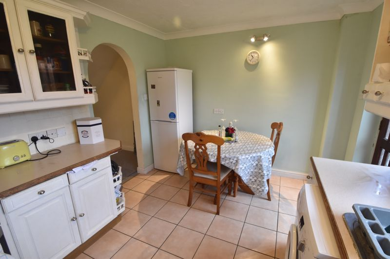 2 bedroom End Terrace to buy in Keeble Close, Luton - Photo 6