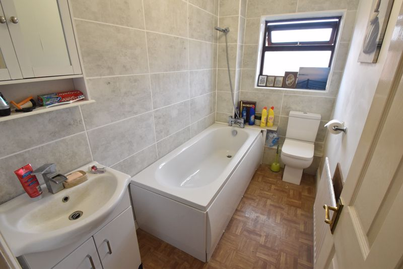 2 bedroom End Terrace to buy in Keeble Close, Luton - Photo 7