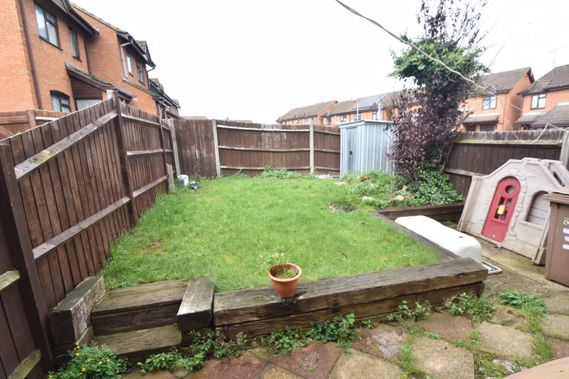 2 bedroom End Terrace to buy in Keeble Close, Luton - Photo 11