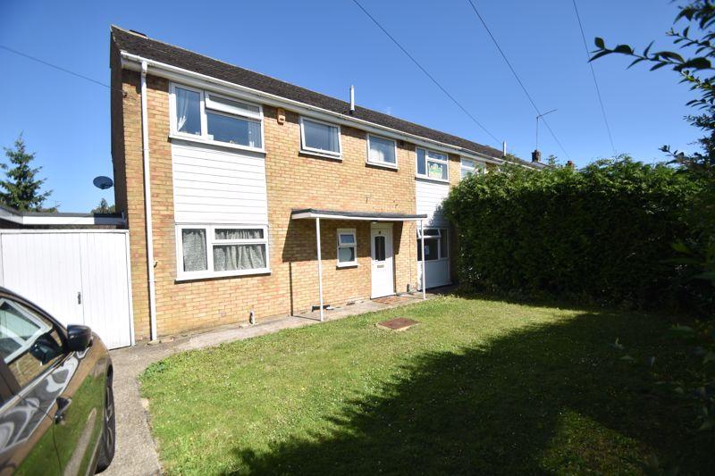4 bedroom Semi-Detached  to rent in Blaydon Road, Luton