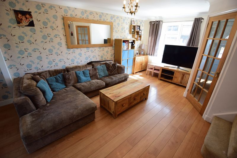 3 bedroom End Terrace to buy in Chalkdown, Luton - Photo 3