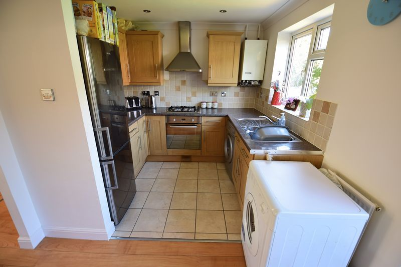 3 bedroom End Terrace to buy in Chalkdown, Luton - Photo 6