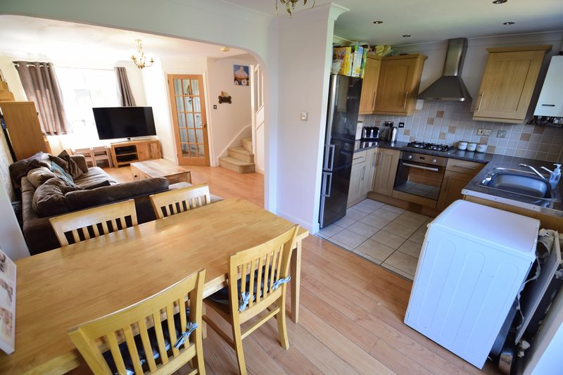 3 bedroom End Terrace to buy in Chalkdown, Luton - Photo 7