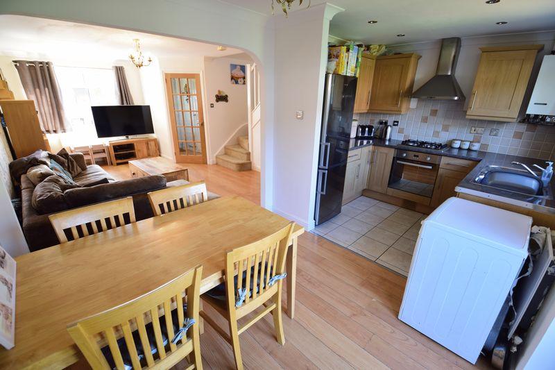 3 bedroom End Terrace to buy in Chalkdown, Luton - Photo 7