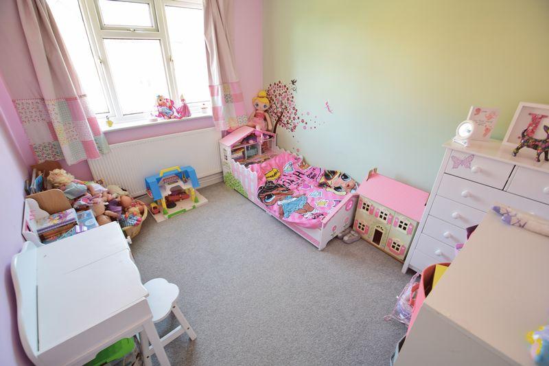 3 bedroom End Terrace to buy in Chalkdown, Luton - Photo 9