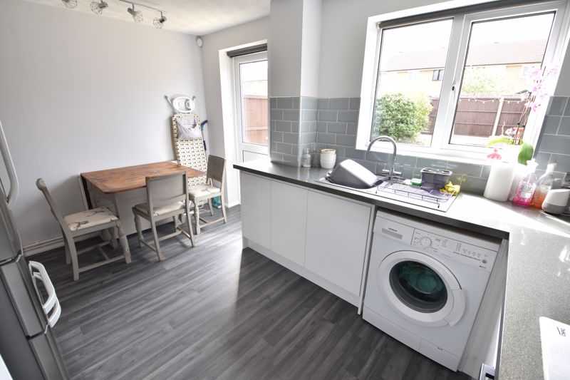 2 bedroom End Terrace to buy in Claverley Green, Luton - Photo 5