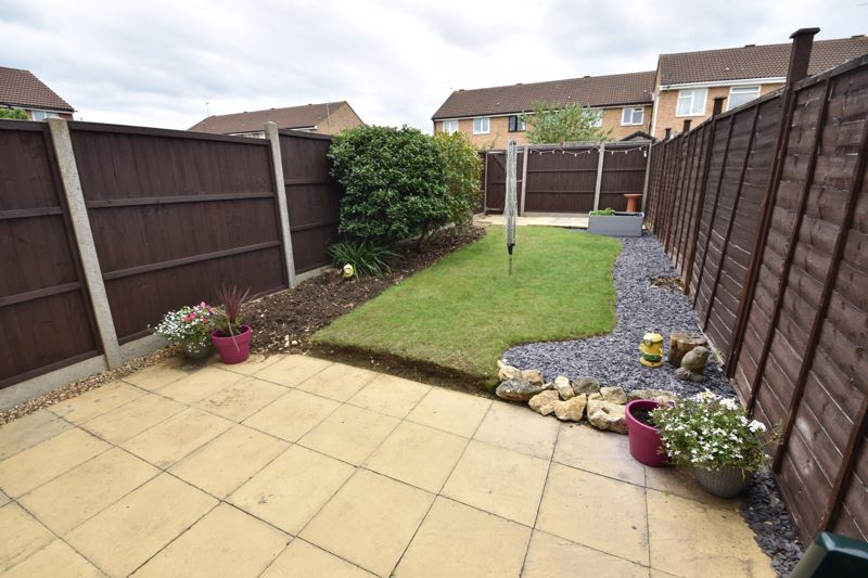 2 bedroom End Terrace to buy in Claverley Green, Luton - Photo 9