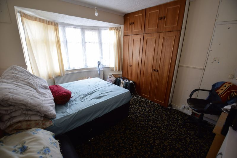 4 bedroom End Terrace to buy in Chester Avenue, Luton - Photo 6