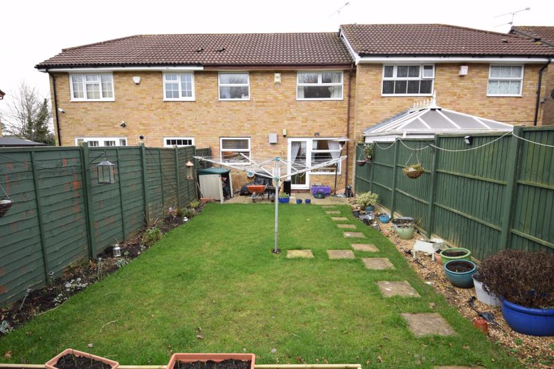 3 bedroom Mid Terrace to buy in Whitehaven, Luton - Photo 12